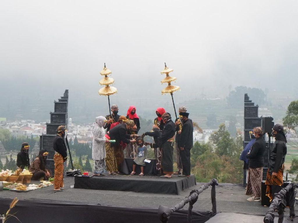 Ritual Cukur Rambut Gimbal Dieng Tahun Ini Berlangsung Sederhana
