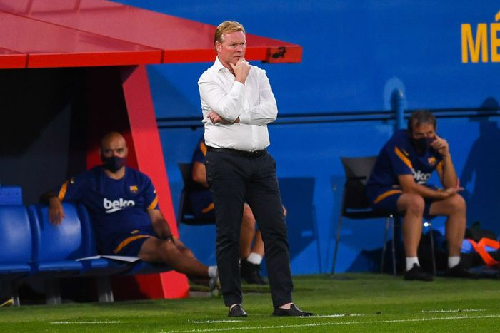 BARCELONA, SPAIN - SEPTEMBER 12: Head coach Ronald Koeman of FC Barcelona looks on during the during the pre-season friendly match between FC Barcelona and Gimnastic de Tarragona at Estadi Johan Cruyff on September 12, 2020 in Barcelona, Spain. (Photo by David Ramos/Getty Images)