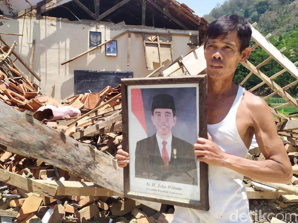 Cerita Ajid Terobos SD Ambruk di Cianjur demi Selamatkan Foto Jokowi