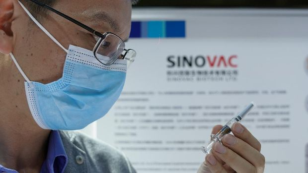 Pembuat vaksin asal China, Sinovac Biotech, berencana memulai uji coba klinis vaksin virus Corona eksperimental terhadap anak-anak dan remaja pada akhir bulan ini.