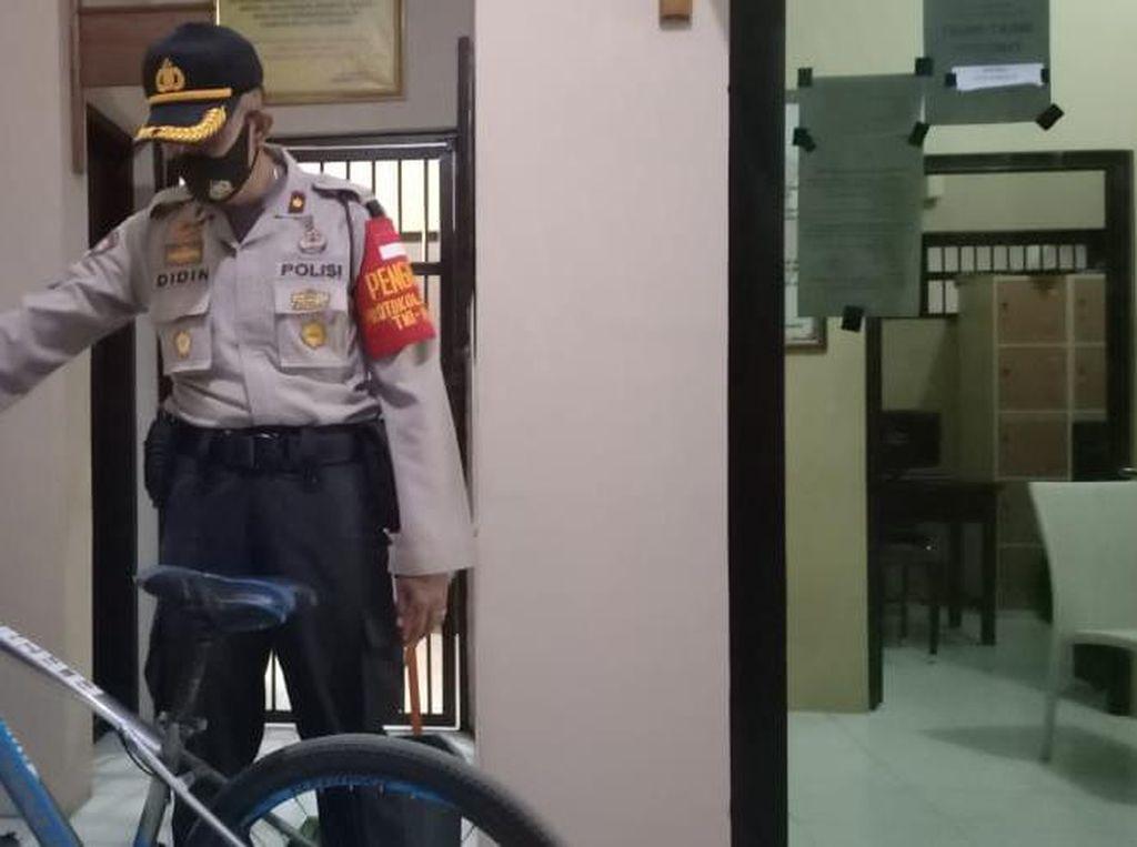 Curi Sepeda Usai Jumatan, Pekerja Mebel Cirebon Bonyok Dihajar Massa