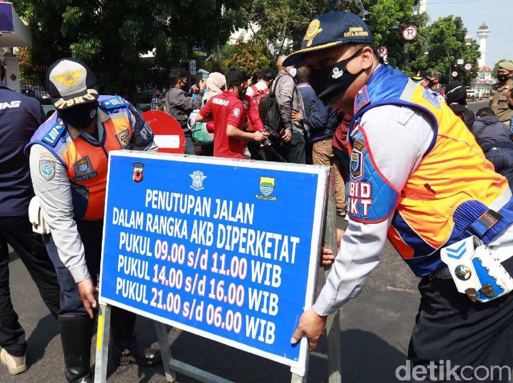5 Jalan di Bandung Ditutup, Pakar UPI: Tempat Berkerumun Masih Merajalela
