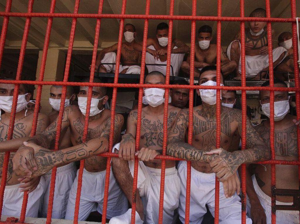 Potret Gangster Penuhi Penjara El Salvador