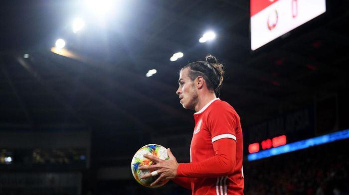 CARDIFF, WALES - SEPTEMBER 09: Gareth Bale of Wales prepares to take a throw in during the International Friendly between Wales and Belarus at Cardiff City Stadium on September 09, 2019 in Cardiff, Wales. (Photo by Harry Trump/Getty Images)