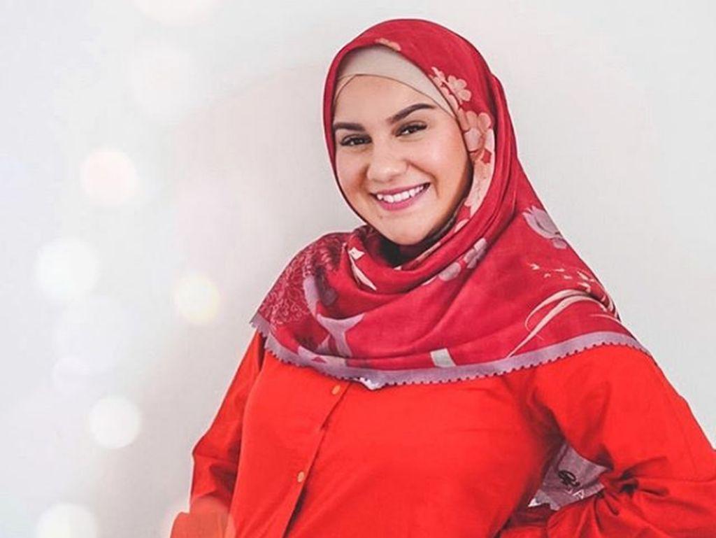 Irish Bella Tampil Tanpa Hijab di Sinetron, Ini Jawabannya