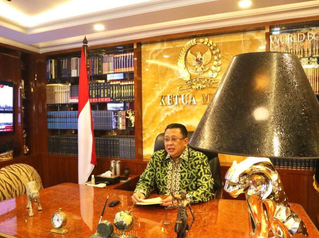 Ketua MPR Ingatkan Pentingnya Mahasiswa Terapkan Nilai Pancasila