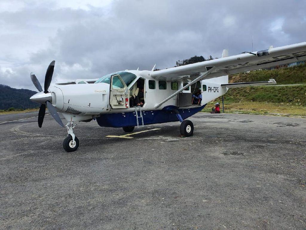 Pesawat Sempat Ditembaki KKB di Intan Jaya saat Hendak Evakuasi Jenazah TNI