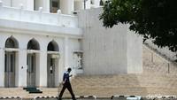 Salat Jumat di Masjid DKI Ditiadakan Hari Ini