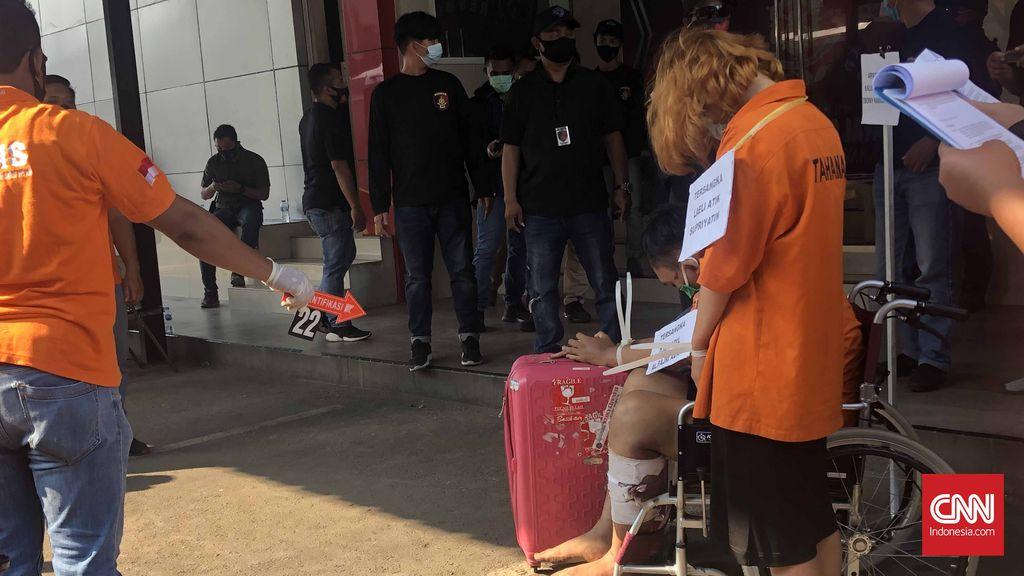 Ditreskrimum Polda Metro Jaya menggelar rekonstruksi kasus pembunuhandisertai mutilasi terhadap Rinaldi Harley Wismanu, Jumat (18/9). CNNIndonesia/Patricia Diah