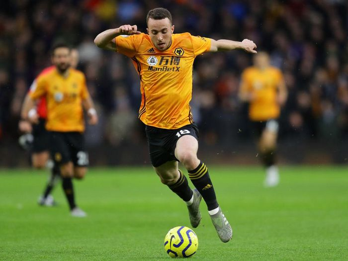 WOLVERHAMPTON, ENGLAND - DECEMBER 15: Diogo Jota of Wolves in action during the Premier League match between Wolverhampton Wanderers and Tottenham Hotspur at Molineux on December 15, 2019 in Wolverhampton, United Kingdom. (Photo by Richard Heathcote/Getty Images)