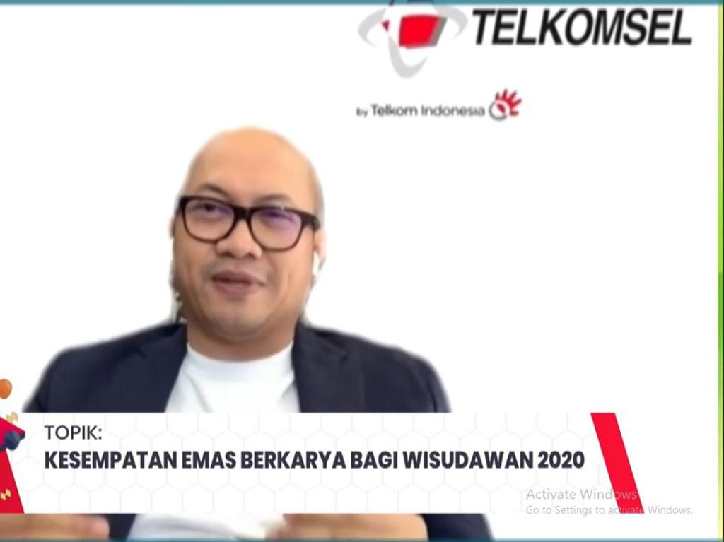 Wisuda Online Maxstream, Dirut Telkomsel Bicara Peluang Era Digital