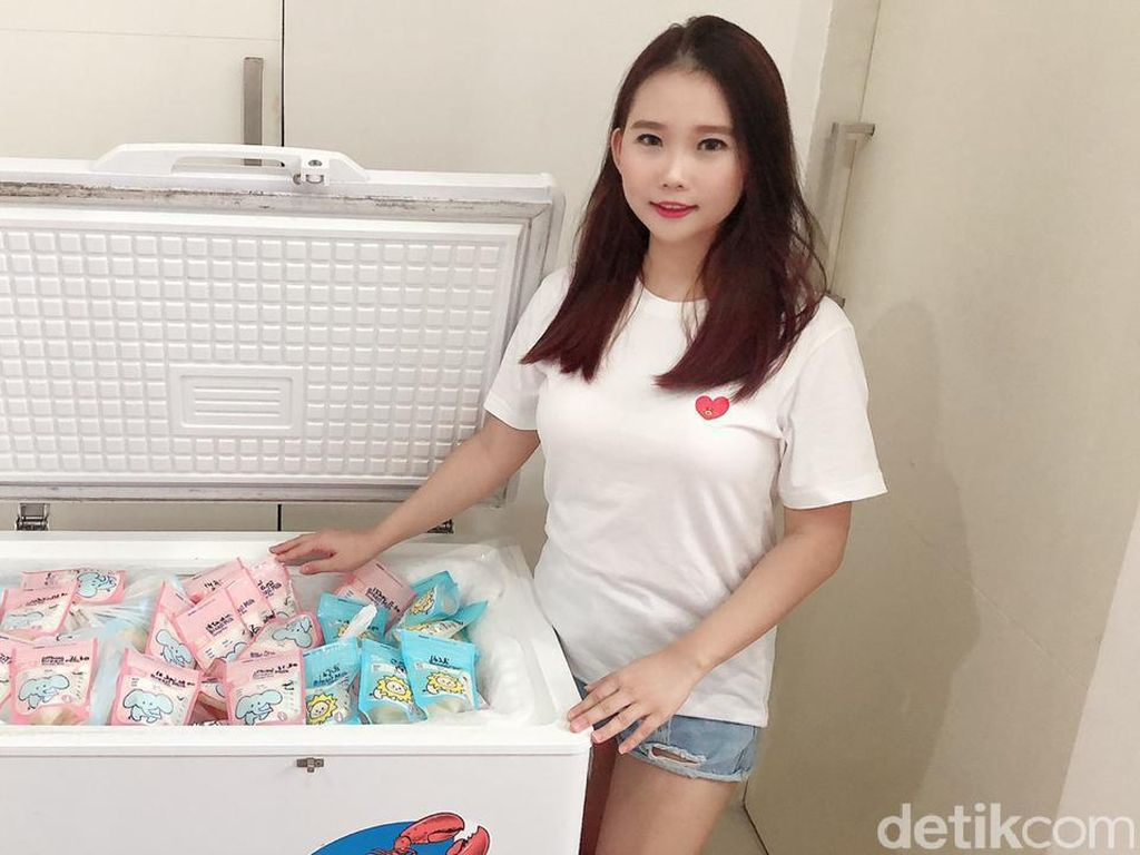 Wanita Cantik Ini Bagikan ASI pada Bayi Kurang Beruntung di Surabaya