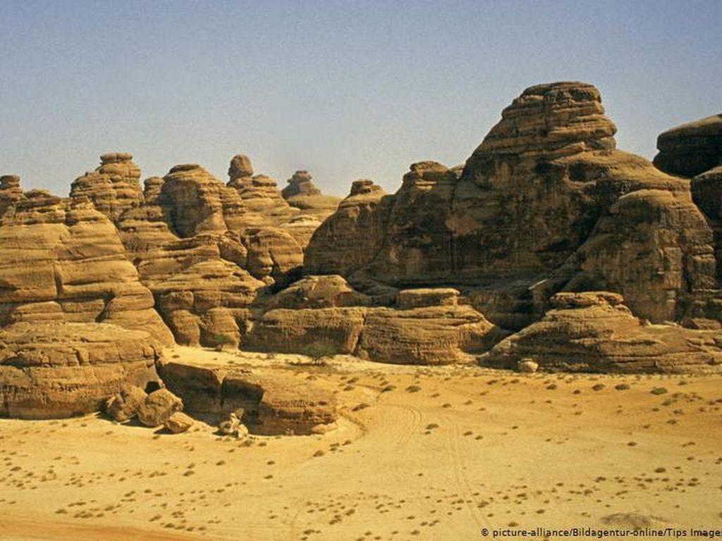 Jejak Kaki Manusia Purba di Arab Saudi dan Drastisnya Perubahan Iklim