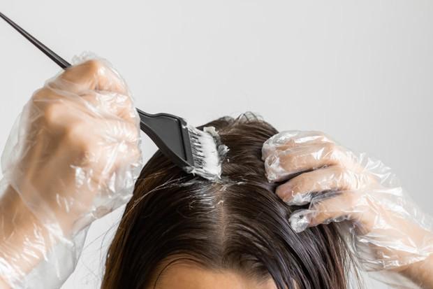 Membagi Bagian Rambut