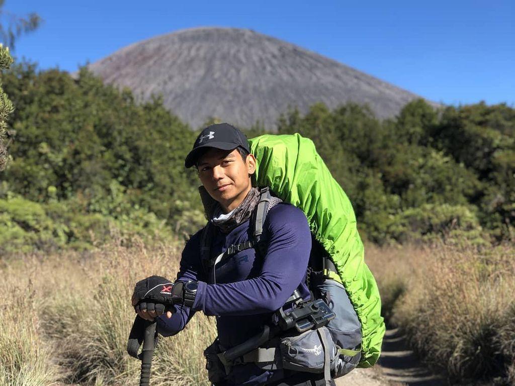 Ini Gunung Indonesia yang Punya Medan Paling Horor