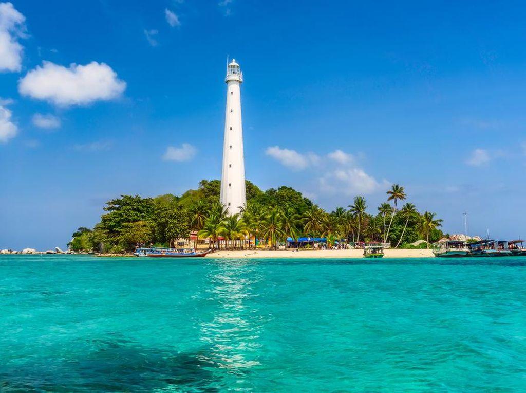 Celebrity on Vacation: Rayakan Ultah di Pulau Lengkuas Belitung