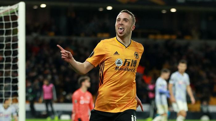 WOLVERHAMPTON, ENGLAND - DECEMBER 12:  Diogo Jota of Wolverhampton Wanderers celebrates after scoring his third goal during the UEFA Europa League group K match between Wolverhampton Wanderers and Besiktas at Molineux on December 12, 2019 in Wolverhampton, United Kingdom. (Photo by David Rogers/Getty Images)