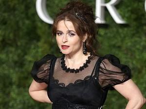 Bintang The Crown Ingin Telanjang Hadiri Emmy Awards 2020