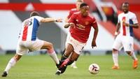 Di nomor 9 ada pemain Manchester United, Anthony Martial yang digaji 250 ribu paun atau setara Rp 4,6 miliar per pekan (Getty Images/Pool)