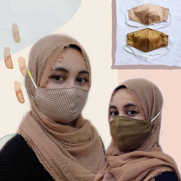 Memakai masker sesuai dengan warna baju