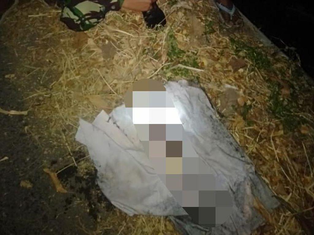 Mayat Bayi Terbungkus Kain Kafan Ditemukan Hanyut di Sungai Situbondo