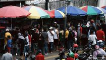 Potret Warga Berkerumun di Pasar Ikan Hias Jatinegara saat PSBB