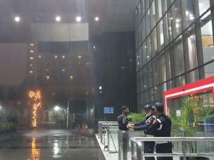 Atap Plafon Gedung Merah Putih KPK Jebol Saat Hujan Deras