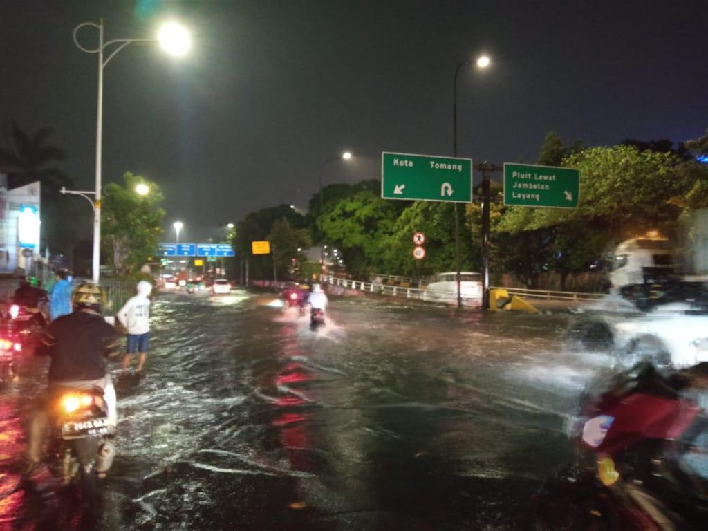 Anies Sebut Jakarta Bersiap, Air Kiriman dari Bogor akan Tiba Dini Hari
