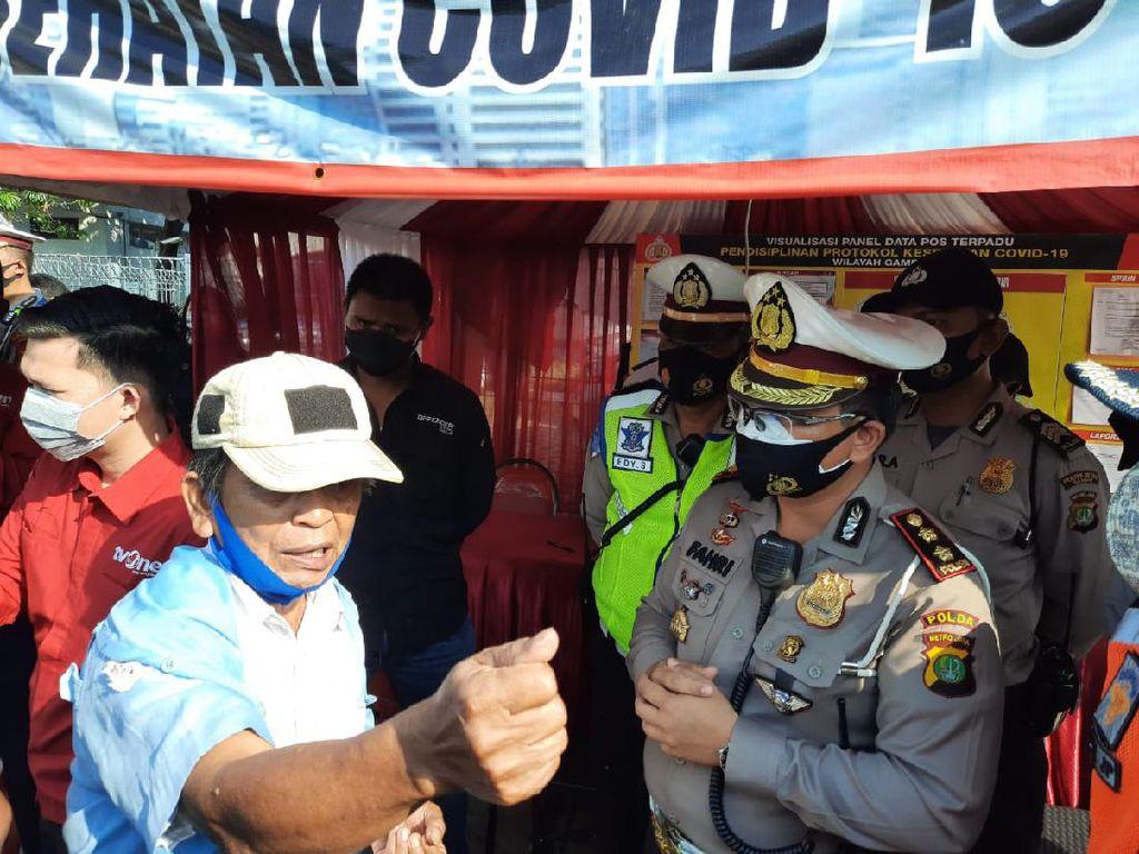 Protes Sopir Angkot di Tanah Abang Gegara Ditegur Bawa 6 Penumpang