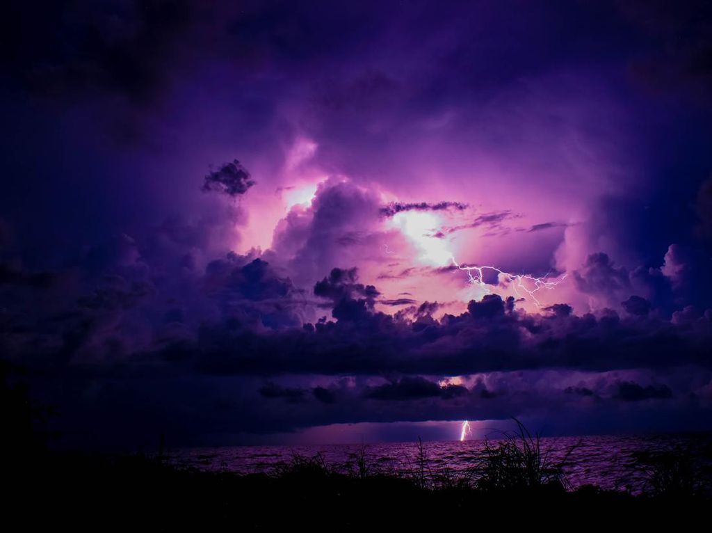 Potret Petir Abadi di Danau Cantik Venezuela