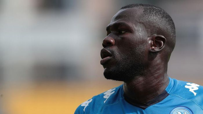 PARMA, ITALY - SEPTEMBER 20:  Kalidou Koulibaly of SSC Napoli looks on during the Serie A match between Parma Calcio and SSC Napoli at Stadio Ennio Tardini on September 20, 2020 in Parma, Italy.  (Photo by Emilio Andreoli/Getty Images)