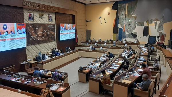 Komisi II DPR Rapat Bersama Mendagri, KPU, Bawaslu, dan DKPP