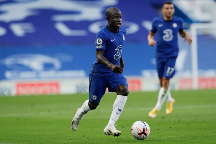 LONDON, ENGLAND - SEPTEMBER 20: NGolo Kante of Chelsea in action during the Premier League match between Chelsea and Liverpool at Stamford Bridge on September 20, 2020 in London, England. (Photo by Matt Dunham - Pool/Getty Images)