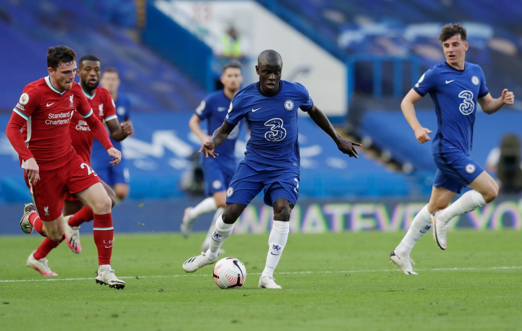 LONDON, ENGLAND - SEPTEMBER 20: N'Golo Kante of Chelsea in action during the Premier League match between Chelsea and Liverpool at Stamford Bridge on September 20, 2020 in London, England. (Photo by Matt Dunham - Pool/Getty Images)