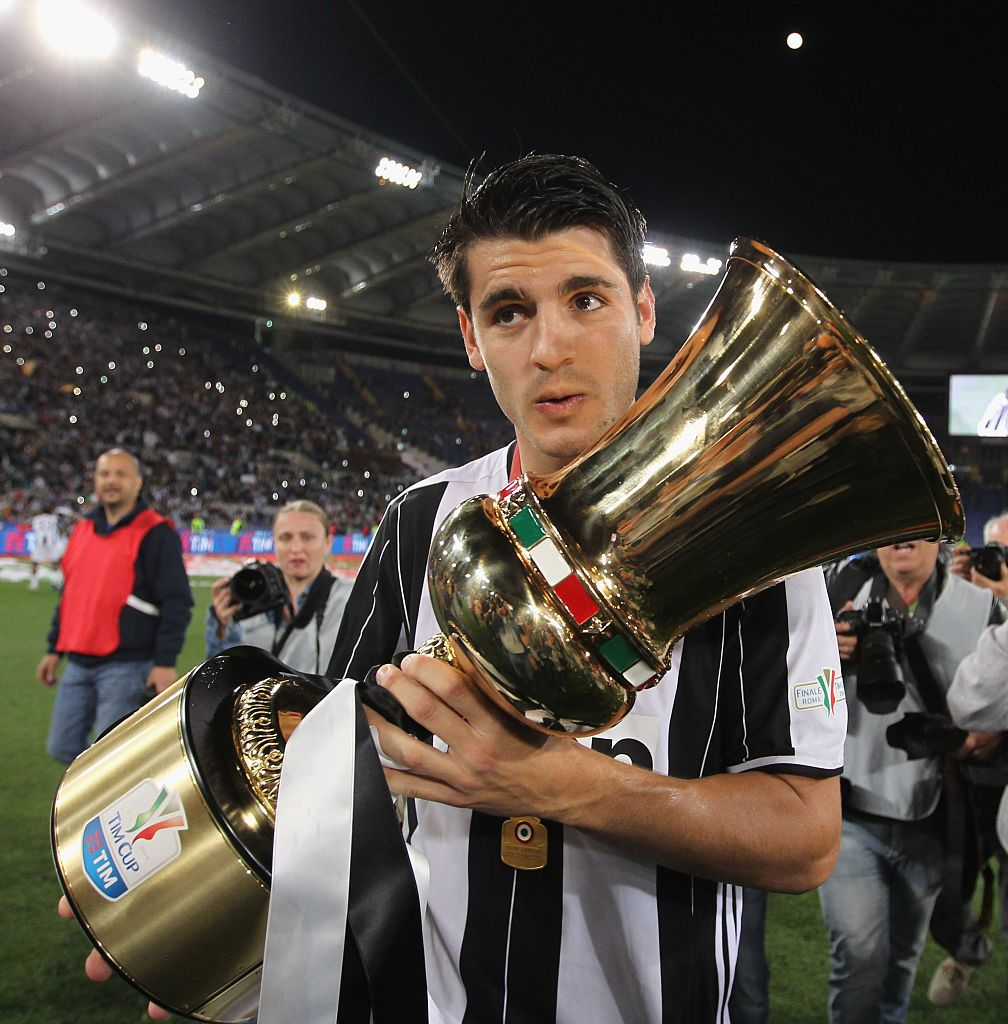 FLORENCE, ITALY - APRIL 24: Alvaro Morata of Juventus FC celebrates after scoring a goal during the Serie A match between ACF Fiorentina and Juventus FC at Stadio Artemio Franchi on April 24, 2016 in Florence, Italy.  (Photo by Gabriele Maltinti/Getty Images)