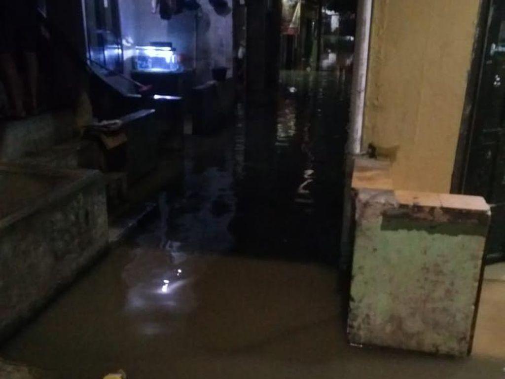 Banjir 50 Cm Rendam 2 RT di Rawajati Jaksel, Air Mulai Surut