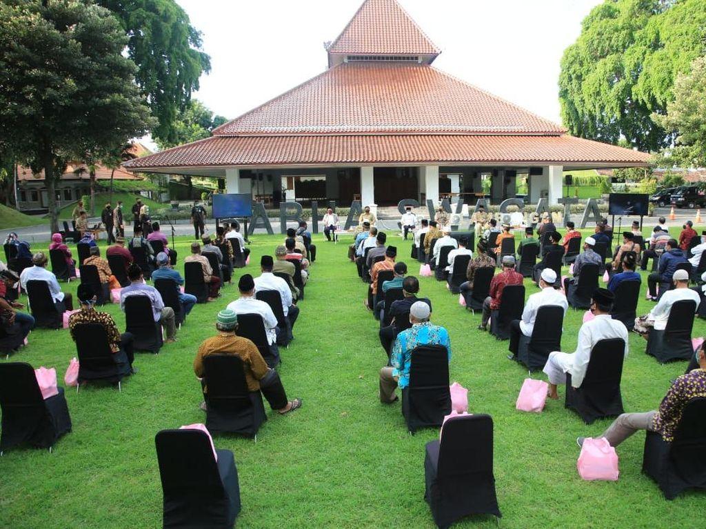 Tegakkan Protokol Kesehatan, Bupati Anas Libatkan Takmir Masjid