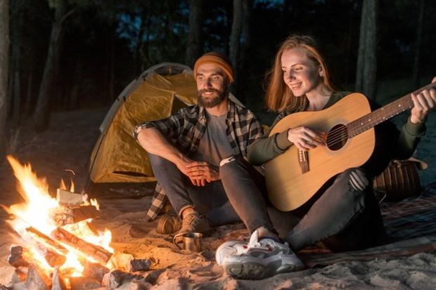 camping bersama pasangan
