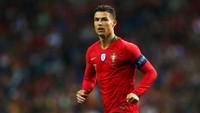 Dari data Transfermarkt, Cristiano Ronaldo sudah mengemas 168 penampilan bersama Timnas Portugal. Ronaldo pun membukukan 102 gol! (Getty Images/Jan Kruger)
