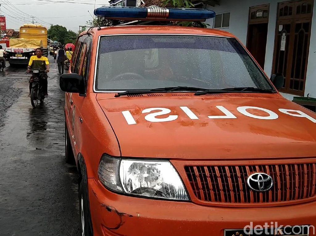 Nahas Pekerja Serabutan Tewas Tersengat Listrik di Rembang