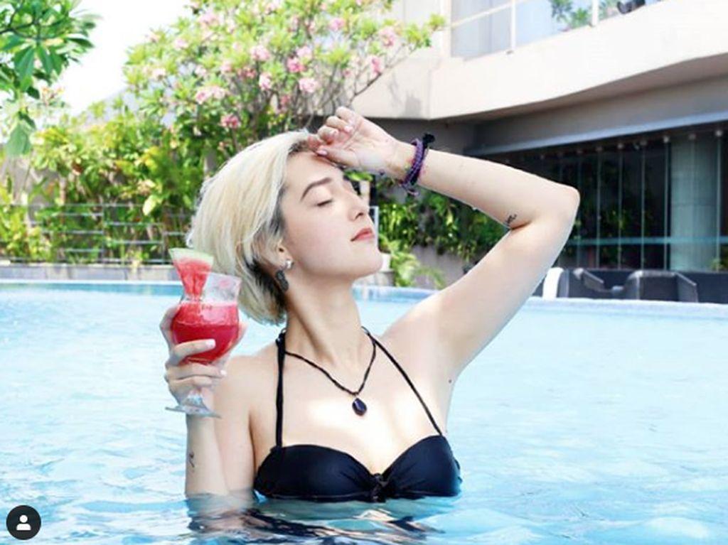 Heboh Mantan Istri Reza SM*SH Topless dan Mandi Bareng Cowok
