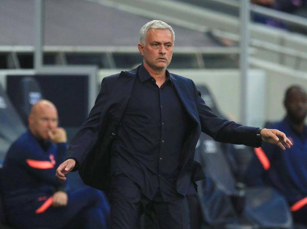 Respons Keren Mourinho Saat Ada yang Minta Foto demi Mendiang Ayah
