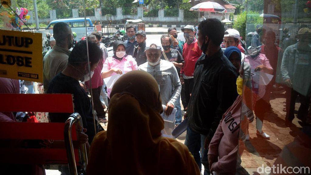 Hore... BLT Dana Desa di Bogor Cair