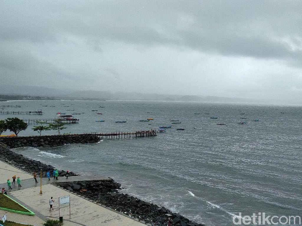 Cuaca Buruk, Nelayan Pangandaran Pilih Tak Melaut