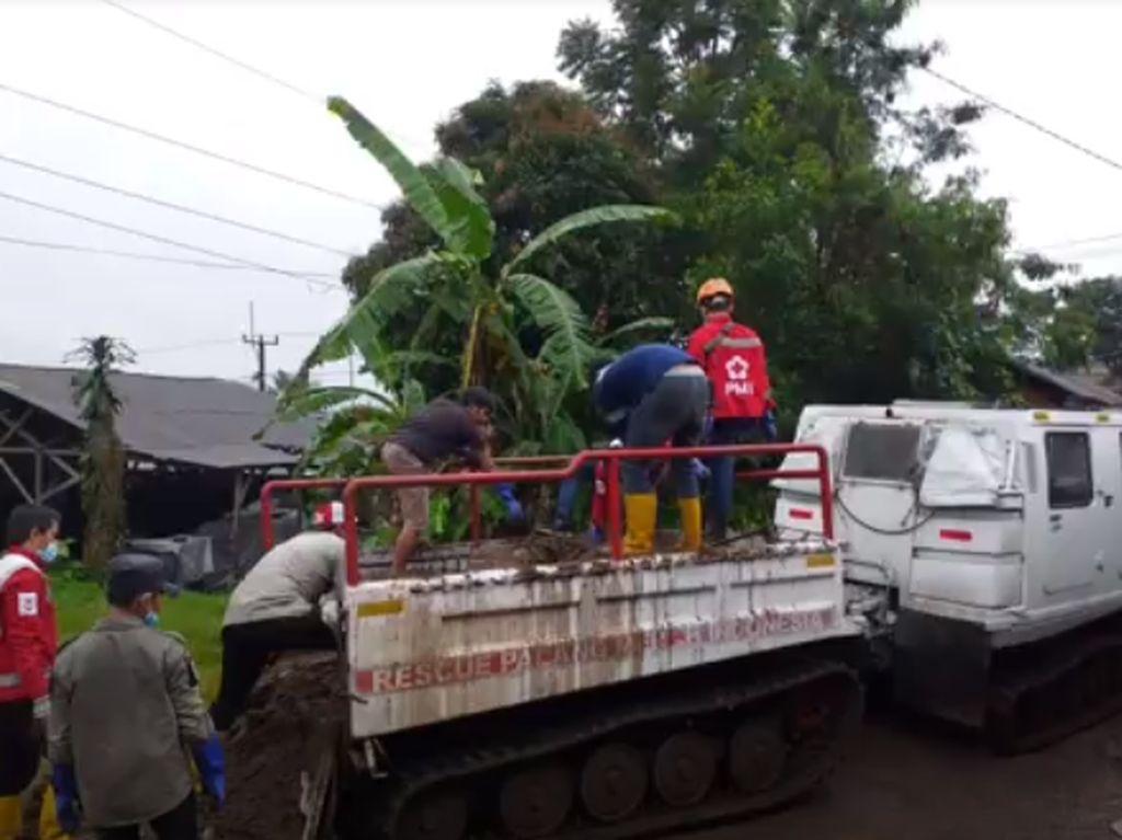 Video PMI Kirim Bantuan Untuk Korban Banjir Sukabumi