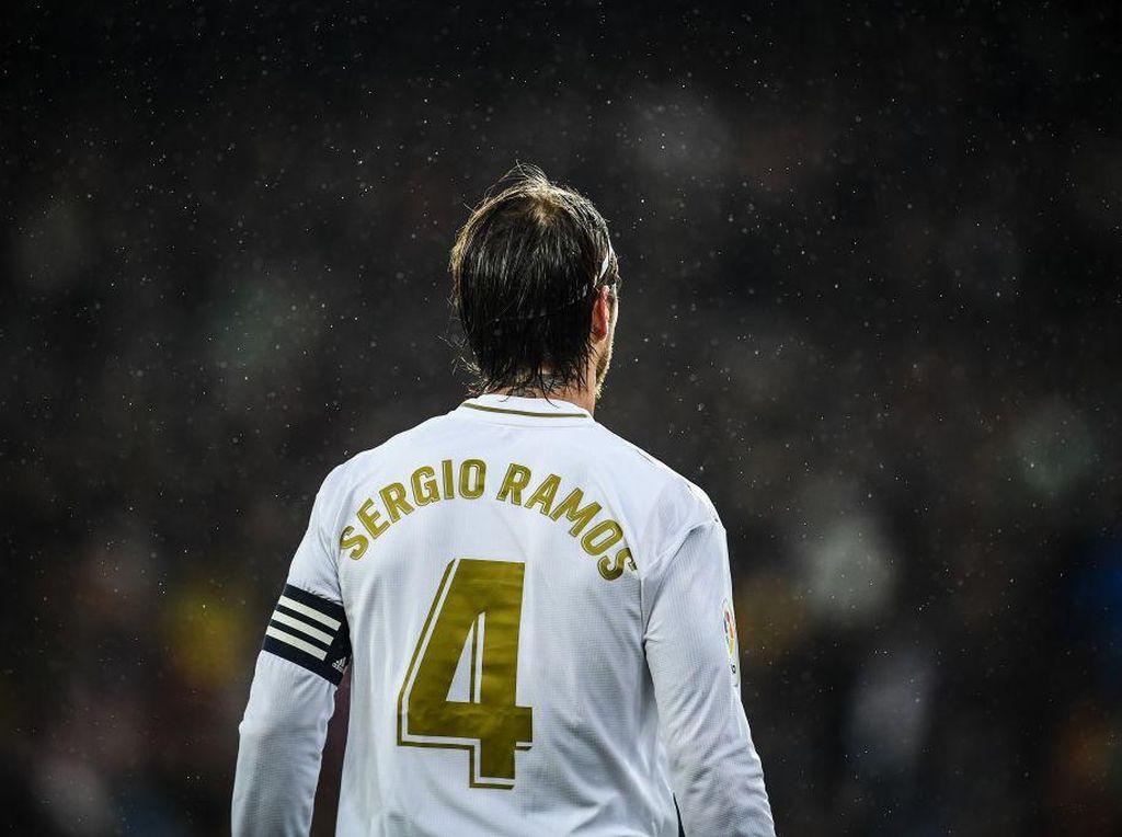 Siapa Berani Pakai Nomor Punggung 4 di Real Madrid?