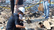 Puslabfor Olah TKP Kebakaran Gudang Kayu yang Hanguskan 100 Rumah di Jakut