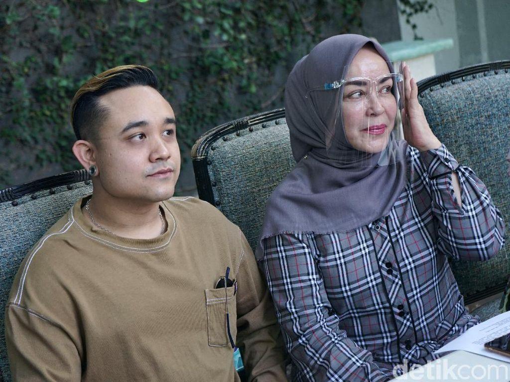Chintami Atmanagara dan Putranya Jelaskan Kronologi Penganiayaan