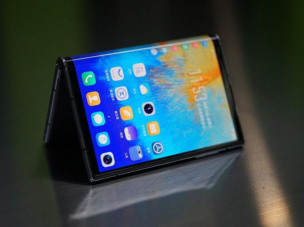 Xiaomi Akan Luncurkan 3 Ponsel Layar Lipat Tahun Depan