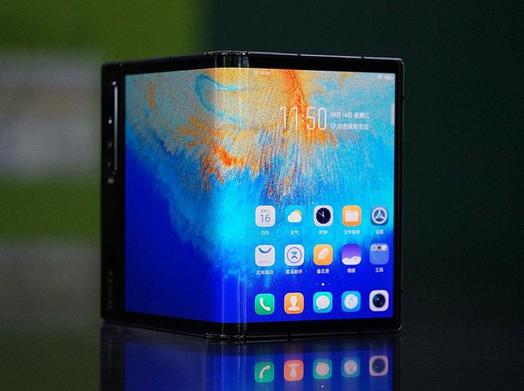 Google, Oppo, Xiaomi Dirumorkan Rilis Ponsel Layar Lipat Tahun Depan
